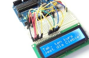 Przykładowy napis na LCD tekstowym.
