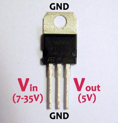 Stabilizator LM7805.