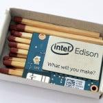 Złącze z tyłu modułu Intel Edison.