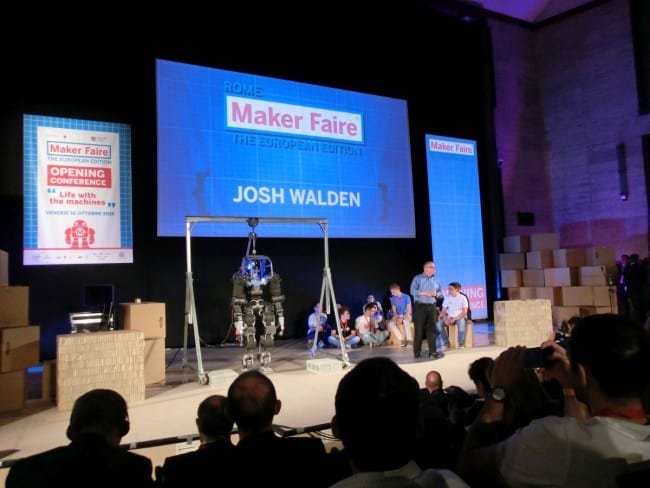 Josh Walden podczas Maker Faire 2015.