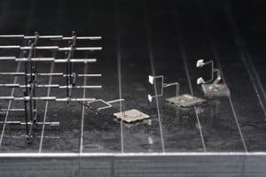Mikro roboty wytwarzają własne narzędzia