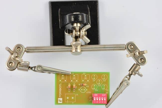 Montaż przełącznika typu DIP-Switch.