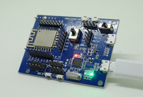 Płytka rozszerzająca możliwości RTL8710