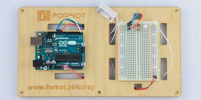 Podłączenie kontaktronu do Arduino.