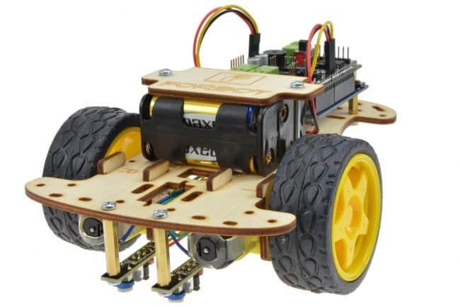 Mocowanie czujników linii z przodu robota.