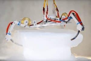 Jak roboty NASA będą badać lodowe księżyce?