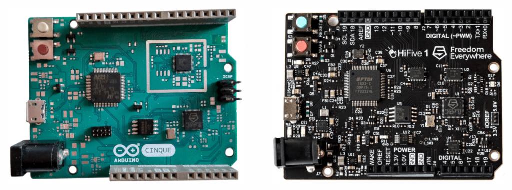 Porównanie Arduino Cinque (po lewej) z HiFive1 (po prawej).