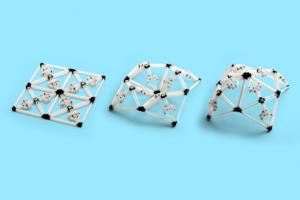 Ruchome, przestrzenne struktury wydrukowane w 4D