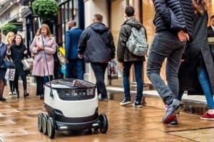 Roboty dostawcze na chodnikach w Estonii już legalne!