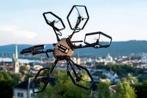 Hexacopter z pochylnymi wirnikami – 12 stopni swobody