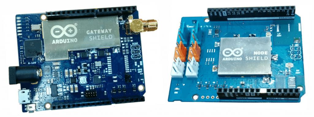 Shieldy Arduino LoRa Gateway (od lewej), Node (od prawej).
