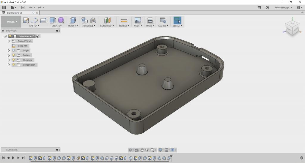 Model dostawki do klawiatury z gniazdem na Arduino.