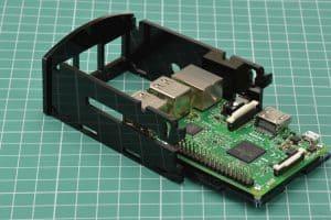 Wsuwanie Raspberry Pi.