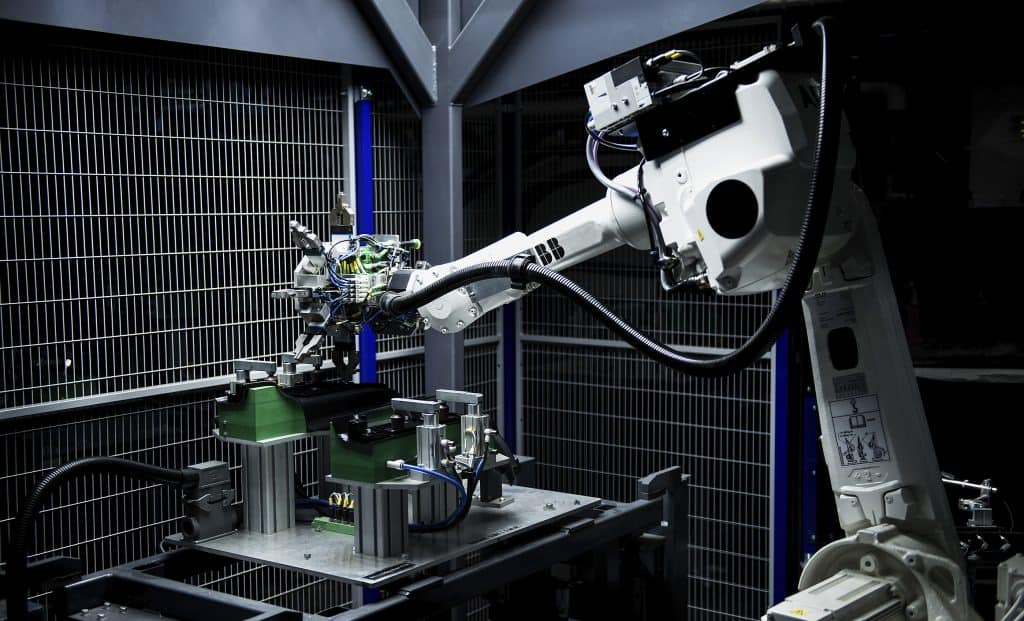 Robot IRB 2600.