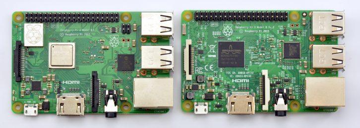 Bezpośrednie porównanie Raspberry Pi 3 model B+ (po lewej) oraz model B (po prawej).