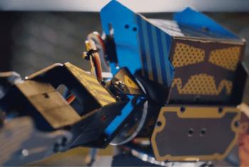 Super Anthony – Twój waleczny robot humanoidalny!