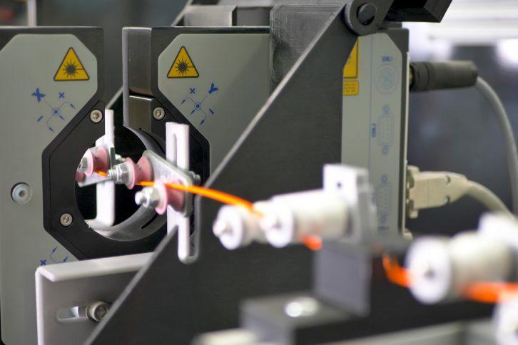 Czujniki monitorujące parametry filamentu.