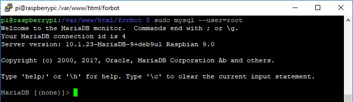 Konsola serwera MySQL.