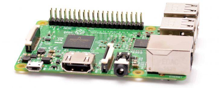 Raspberry Pi model 3 - główny moduł sterujący pracą robota.