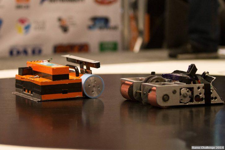 Przykładowe roboty z kategorii Sumo