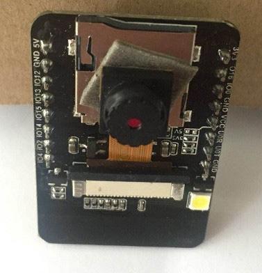 ESP32-CAM z zamontowaną kamerą - prototyp.