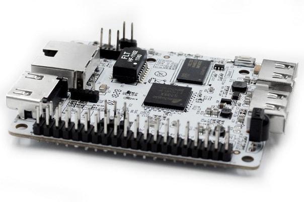 40-pinowe złącze jest kompatybilne z Raspberry Pi Model A+