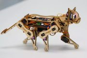 Zbuduj zwinnego robo-kota z Arduino i Raspberry Pi