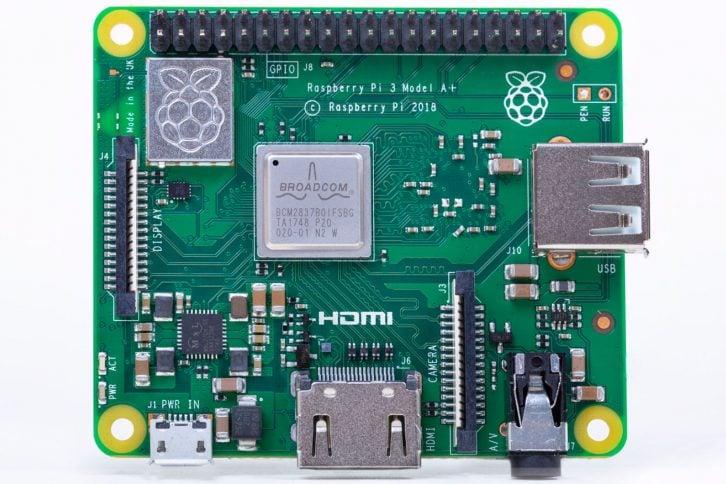 Nowe Raspberry Pi 3 model A+, widok od przodu.