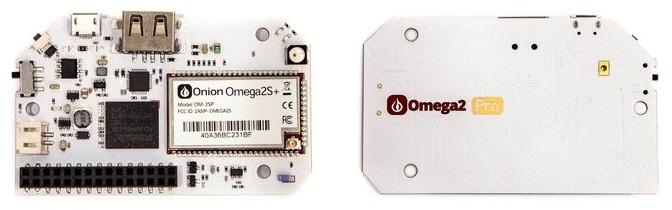 Onion Omega2 Pro widoczny z dwóch stron
