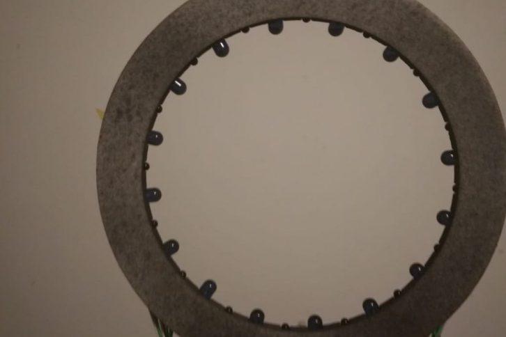 Pierścień z widocznymi diodami IR i fototranzystorami