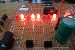 DCE 812 (8-bitowy mikroprocesor własnej roboty)