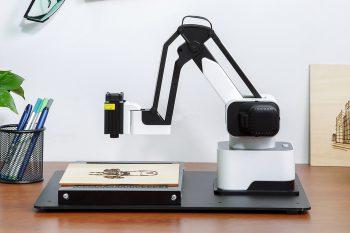 Hexbot – ploter, grawer, drukarka 3D i robot w jednym