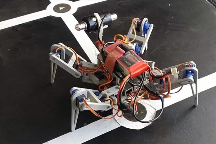 Robot podejmuje decyzje na podstawie obrazu z kamery
