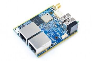 NanoPi R1 posiada dwa natywne porty Ethernet