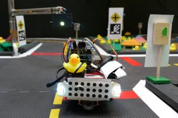 Przykładowy robot na torze