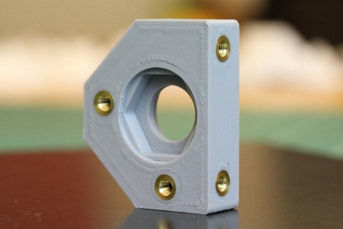 Metalowe inserty są najlepszym sposobem na uzyskanie dobrej jakości połączeń śrubowych