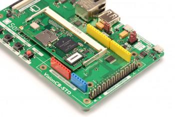 Kolorowe złącz zgodne z Arduinoi czarna listwa zgodna z Raspberry Pi