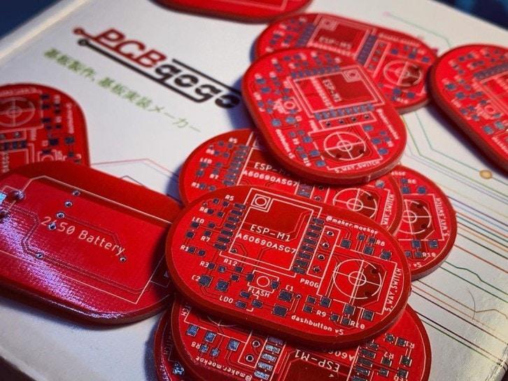 Płytki PCB z czerwoną soldermaską