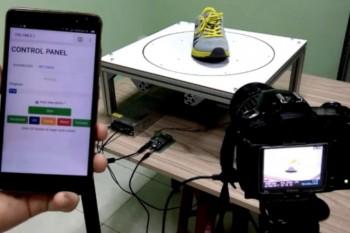 Stół obrotowy DIY z opcją automatycznego robienia zdjęć