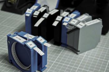 Wygodny podajnik elementów SMD z drukarki 3D