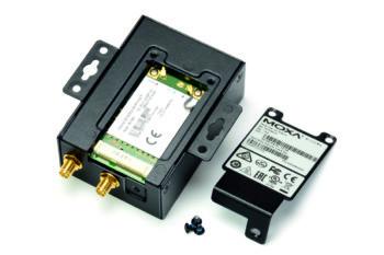 Klapka w obudowie umożliwia dostęp do modułu LTE