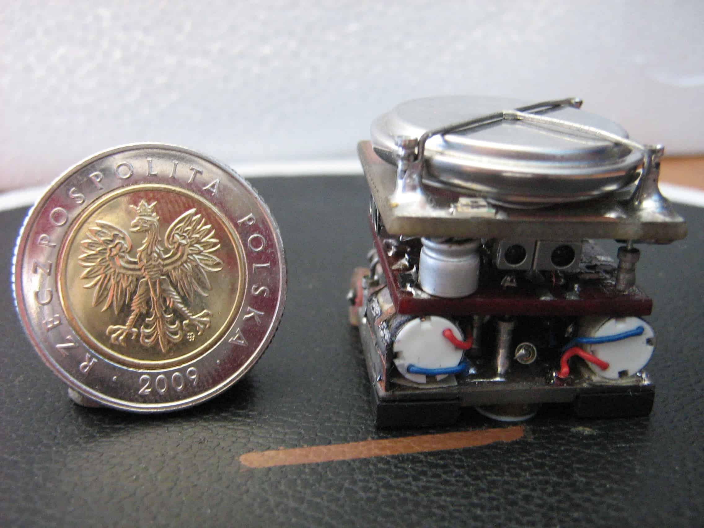 QUATRO-Robot wielozadaniowy