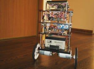 robot_miniaturka.thumb.jpg.7529d3901c0e15df7f49fee06f213c22.jpg