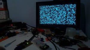 Płytka podpięta do monitora
