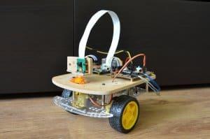 Robot.thumb.jpg.305871a473b9c7678ed5acf250ee88e0.jpg