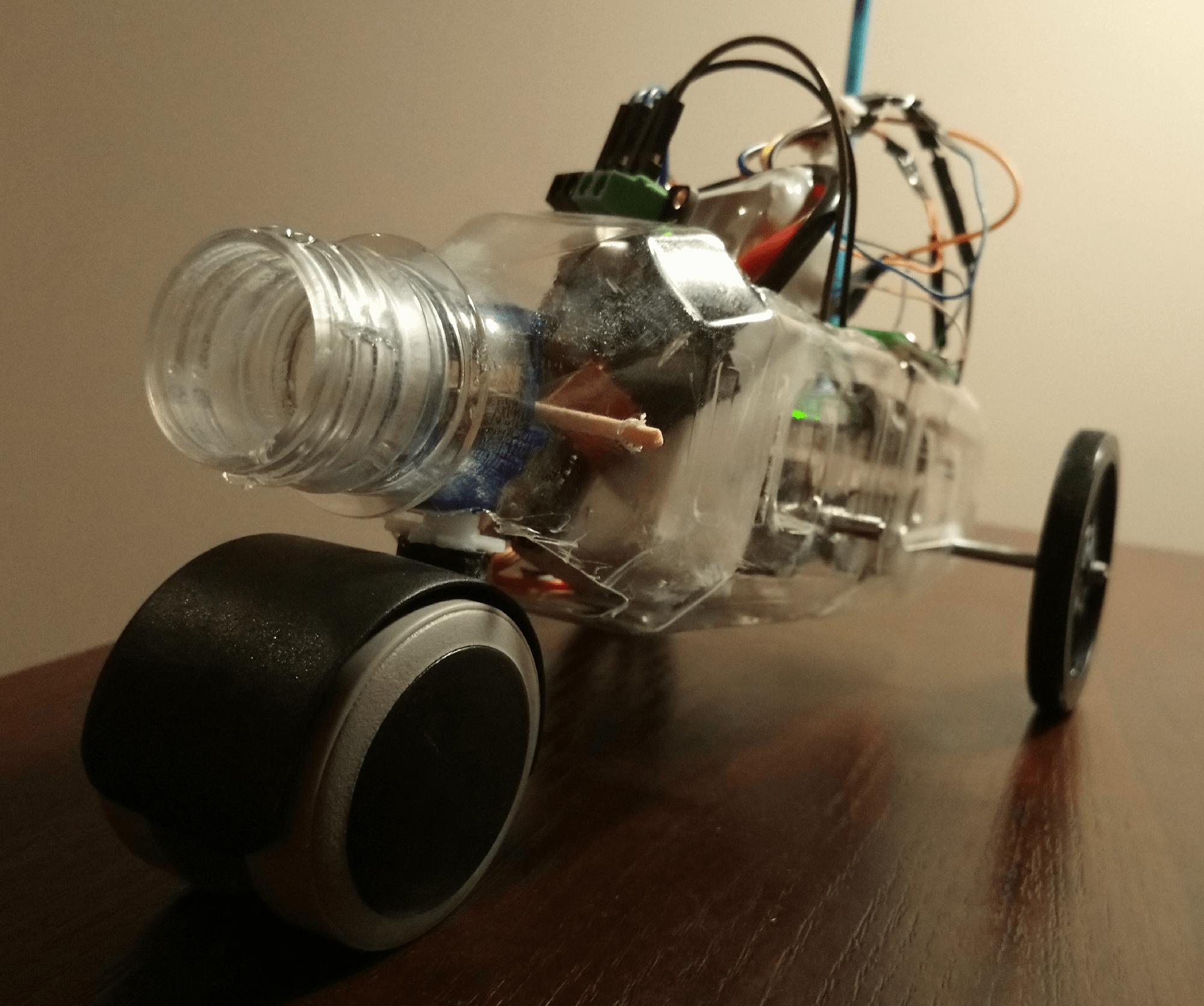 Pojazd i pilot komunikujące się z użyciem IR