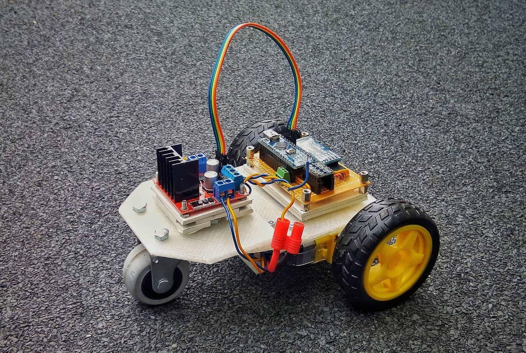 Moon - Pojazd sterowany za pomocą Bluetooth