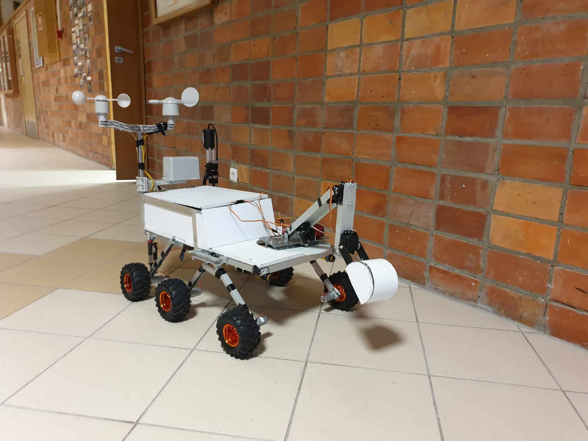 Researcher - robot badawczy