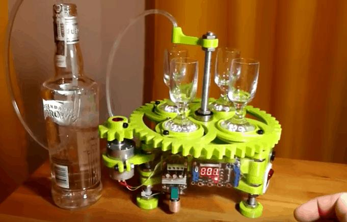 Robot do nalewania wódki
