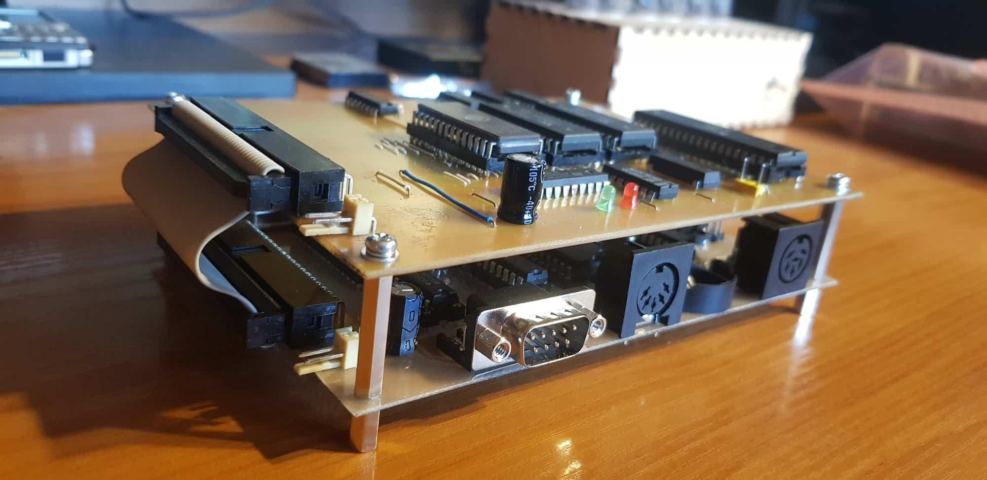 Płytki do eksperymentów z procesorem MC6802